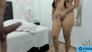 Voir la live cam de  Emmaandandrew_ de Chaturbate - 22 ans - Antioquia, Colombia