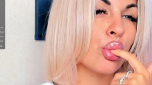 View free live cam of Katrinpolly from Chaturbate - 18 years old - Poland