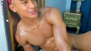 View free live cam of Littletwink_ from Chaturbate - 22 years old - Colombia