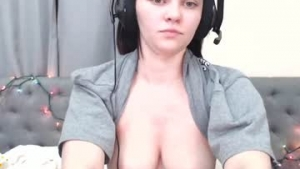 View free live cam of Missrubyred from Chaturbate - 24 years old - United States