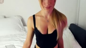 View free live cam of Summer_sunshine_ from Chaturbate - 23 years old - Russia